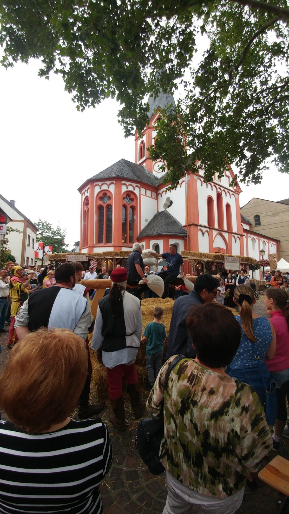 Gemütliches Weinfest in Heimersheim gefeiert.